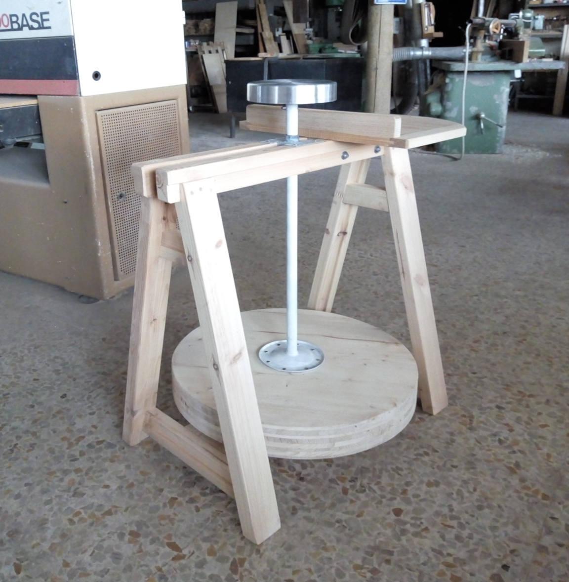Costruire Un Tornio Per Ceramica.Tornio Del Vasaio Costruito Con Parti Di Vecchi Oggetti