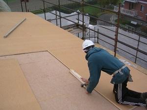 isolamento del tetto con pannelli isolanti